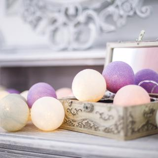 Светодиодная гирлянда Прованс из хлопковых шариков